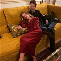 Наталья Водянова с мужем на диване: самое домашнее фото