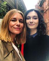 19-летняя дочь Кончаловского и Толкалиной - первый курс и свадьба разом