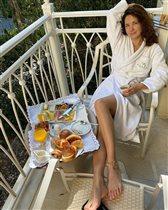 Екатерина Климова с утра - в халате и без макияжа: 'Хороша в любом виде!'