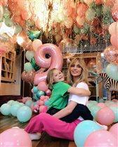Глюкоза и 9-летие младшей дочки: 'И торт, и собачка - такое всё милое!'
