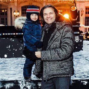Дмитрий Маликов с сыном готовятся отмечать: одному - 51 год, другому - три