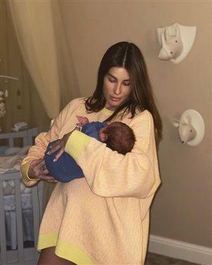 Кети Топурия впервые показала новорожденного сына