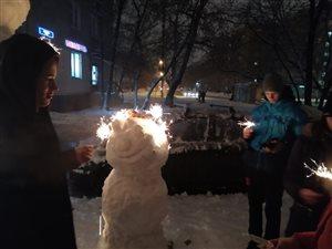снеговик в короне