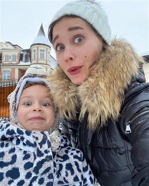 Кристина Асмус с дочкой: 'Как девочка похожа на папу Гарика!'